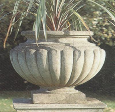 Henley Urn